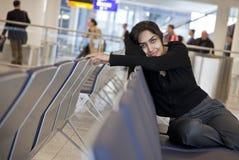Sozinho no aeroporto Fotos de Stock