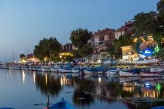 SOZOPOL, BULGÁRIA - 11 DE JULHO DE 2016: Por do sol no porto de Sozopol, Bulgária Fotos de Stock Royalty Free