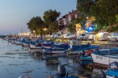 SOZOPOL, BULGARIEN - 11. JULI 2016: Erstaunlicher Sonnenuntergang am Hafen von Sozopol, Bulgarien Lizenzfreie Stockfotografie