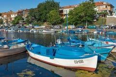 SOZOPOL, BULGARIEN - 12. JULI 2016: Erstaunliches Panorama des Hafens der Stadt von Sozopol, Bulgarien Lizenzfreie Stockfotos