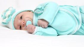 Spädbarn med fredsmäklare Arkivfoton