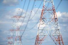 spänning för överföring för torn för hög ström för raster Arkivbild