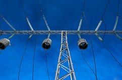 spänningstråd för högt torn Arkivfoto
