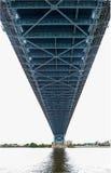 Spännvidd för upphängningbro royaltyfri bild