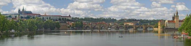 Sp?ter Nachmittag auf dem die Moldau-Fluss stockbild