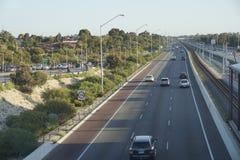 Später Nachmittag 2015 der australischen Autobahn Stockbilder
