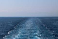 Spår av kryssningskeppet Arkivfoto