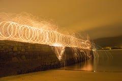 Spår av ljus på natten fotografering för bildbyråer