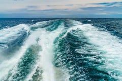 Spår för skepp för skum för havsvatten i havvattentexturen Torsk för udde för lopp för havsikt marin- Massachusetts Royaltyfria Foton