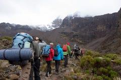 Spår på Kilimanjaro på den Machame ruttwhiskyn dag 4 Royaltyfria Foton