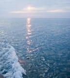 Spåret på havet arkivfoton