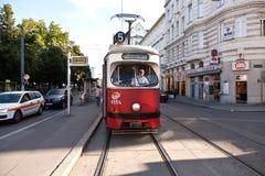 Spårväg i Wien, Österrike royaltyfri foto