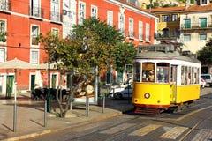 Spårvagn 28, Lisbon, Portugal Arkivfoton