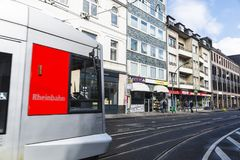 Spårvagn i Dusseldorf, Tyskland Arkivbild