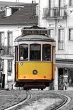 Spårvagn 28 i Lissabon Arkivbild