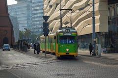 Spårvagn i staden fotografering för bildbyråer