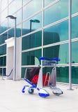 spårvagn på flygplatsen Arkivfoto