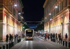 Spårvagn på plats Massena i Nice royaltyfri fotografi