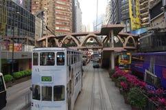 Spårvagnar också en turist- dragning för ha som huvudämne och den av den mest miljövänliga vägen av resanden i Hong Kong Royaltyfri Bild