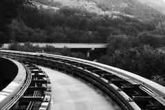 Spårvagnspår i bergen av Los Angeles, USA Royaltyfri Bild