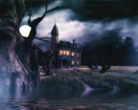Spökad husbakgrund med sjön Royaltyfria Foton