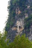 Spökeklippa på monteringen Karos, Krabi, Thailand Royaltyfria Bilder