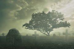 Spöklik kyrkogårdplats Royaltyfri Bild