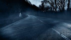 Spöklikt övergett fasahus arkivfoton