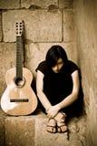 spöklikt barn för gitarrist royaltyfri fotografi