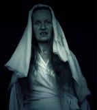 Spöklikt läskigt isolerat kvinnadiagram Arkivfoto