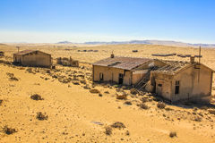 Spökstad i öknen av Namibia, Kolmanskop Arkivbild
