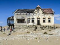 Spökstad Kolmanskop, Namibia öken Fotografering för Bildbyråer