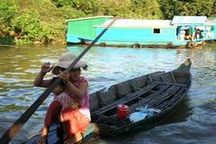Spławowa wioska. Tonle Aprosza jezioro. Kambodża. zdjęcia royalty free