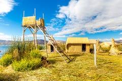 Spławowe wyspy na Jeziornym Titicaca Puno, Peru, Ameryka Południowa. Zwarty korzeń który zasadza Khili przetyka formularzową natur Fotografia Royalty Free
