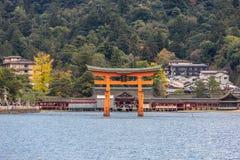 spławowy torii Miyajima Hiroszima fotografia stock