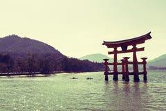 Spławowa brama w Miyajima Zdjęcia Royalty Free