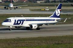 SP-LIO全部波兰人航空公司,巴西航空工业公司170-200LR 免版税库存照片