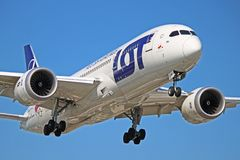 SP-LRH: LOT Polish Airlines Boeing 787-8 Dreamliner. A LOT Polish Airlines Boeing 787-8 Dreamliner SP-LRH photographed on final approach to Toronto Pearson stock photo