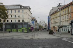 Sp?rvagn p? den Bratislava gatan royaltyfria bilder