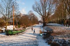 Spaß auf dem Eis in den Niederlanden Stockfotografie