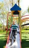 Spaß auf Spielplatz lizenzfreie stockfotos