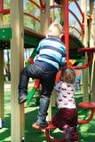 Spaß auf Spielplatz stockfoto