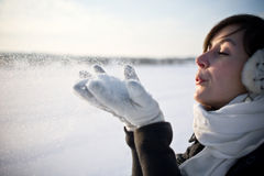 Spaß in der Winterszene haben Stockbilder
