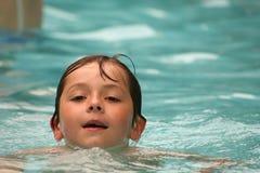 Spaß im Pool Stockbilder