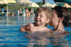 Spaß im Pool Stockfotografie