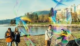 Spaß mit Luftblase Stockbild