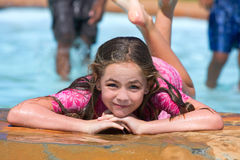 Spaß am Pool Lizenzfreies Stockbild