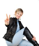 Spaßfrau mit v-Zeichen. Lizenzfreie Stockbilder