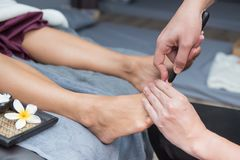 SPA και ταϊλανδικό μασάζ ποδιών Στοκ φωτογραφία με δικαίωμα ελεύθερης χρήσης