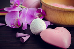 SPA και wellness που θέτουν με το φυσικό σαπούνι Στοκ εικόνα με δικαίωμα ελεύθερης χρήσης